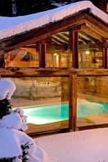 hotel jacuzzi