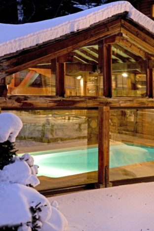 optez pour notre piscine intérieure chauffée